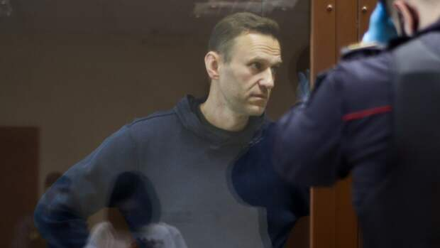 В ИК объяснили, почему Навального поставили на учет как склонного к побегу