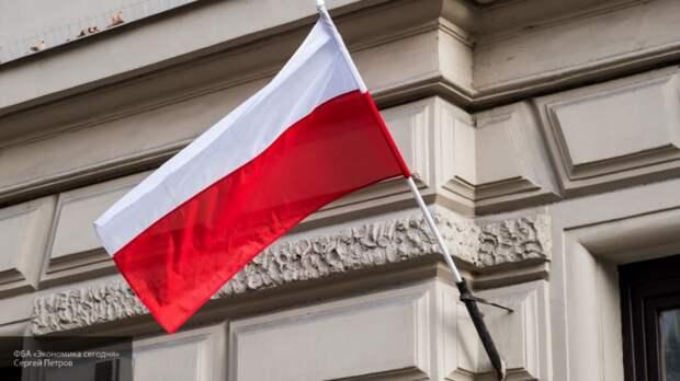 Польша и Литва не планируют отзывать послов из Белоруссии