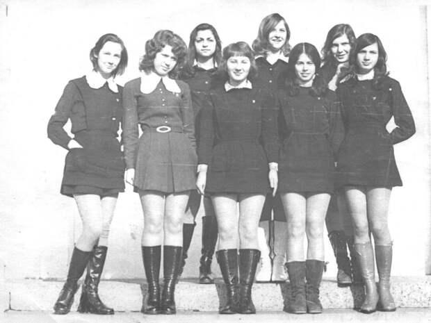 Советские и американские старшеклассницы на разных полюсах холодной войны.