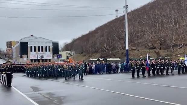 Первый парад Победы начался на Камчатке