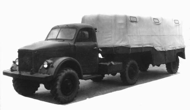 Седельный тягач ГАЗ-63Д с активным четырехтонным полуприцепом ГАЗ-745 (из архива НИИЦ АТ) авто, автопоезд