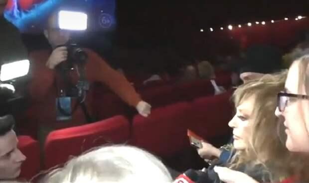 Дым помешал премьере фильма «Лед-2» в «Октябре»