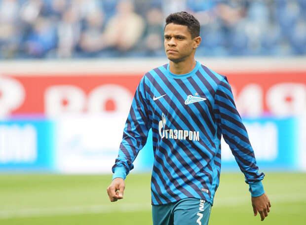 «Зенит» заблаговременно еще на два сезона продлил контракт с Дугласом Сантосом