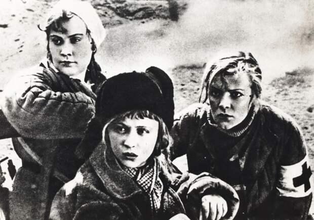 1935 год. Фильм «Подруги». Янина Жеймо, Зоя Федорова и Ирина Зарубина. Кадр из фильма