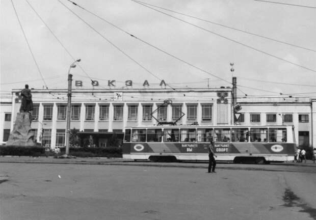 «Лихие 90-е»: фотографии, сделанные в России после распада СССР
