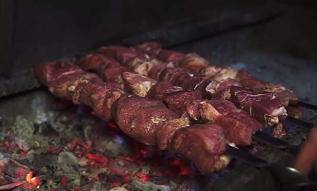 5 хитростей вкусного шашлыка от мастера мангала