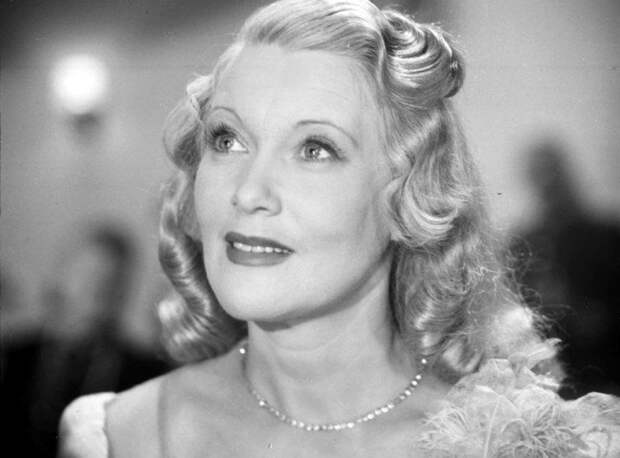 top-10-most-beautiful-classic-actresses-02