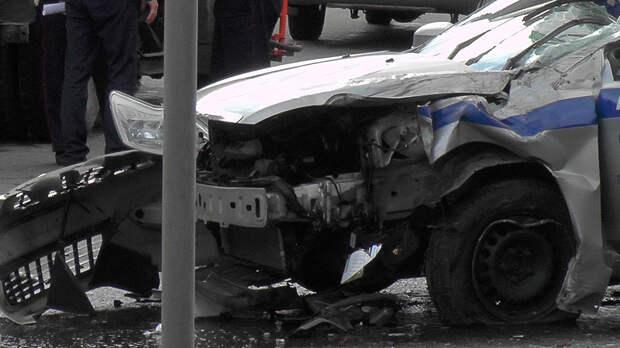 Автомобиль полиции протаранил маршрутку на встречке: видео