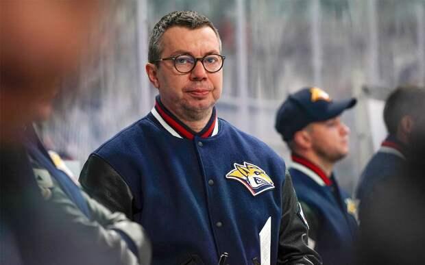 Жуткая травма в КХЛ. Вольски переломал шейные позвонки после кошмарного удара головой в борт: видео