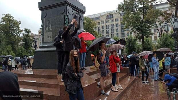 Законы о митингах – иностранным агентам и анонимусам вход воспрещён