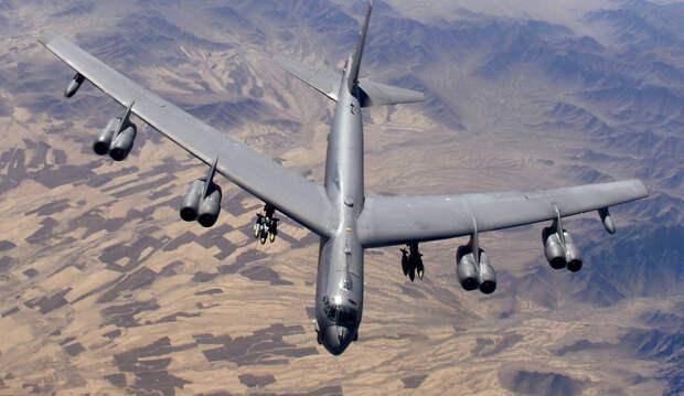 NI перечисли пять военных самолетов, которые дольше всего служат в ВВС США