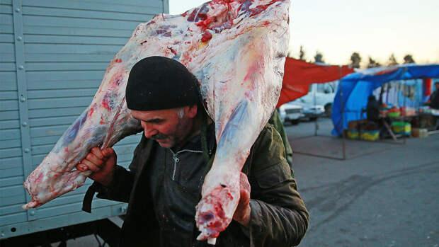 Мясное рабство: россияне работают за еду?