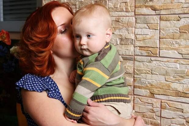 Сенатор предложил ввести четырехдневную рабочую неделю для матерей