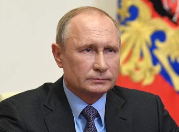 Источники: Трамп во время телефонных разговоров с Путиным пытался произвести на него впечатление