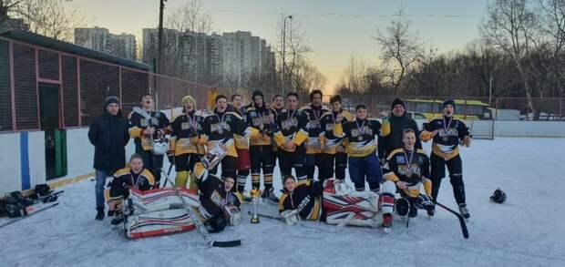 Хоккеисты Левобережного стали бронзовыми призерами городской Спартакиады