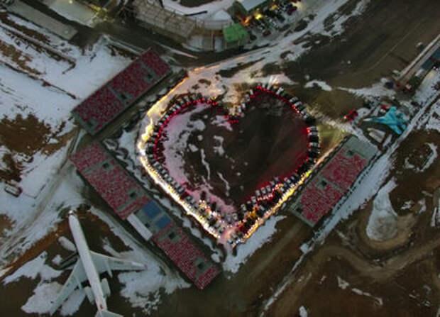 Флэшмоб: владивостокские автолюбители построили автосердце