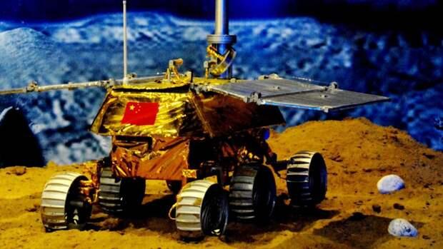 Макет китайского лунохода на выставке в Шанхае