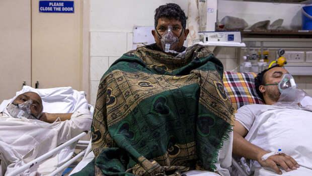 Индия снова обновила антирекорд по суточному приросту смертей от COVID-19