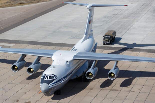 Военная авиация подключилась к битве с коронавирусом