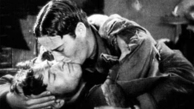 """10. В фильме """"Крылья"""" 1927 года двое мужчин впервые поцеловались на экране. мужчины, факты"""