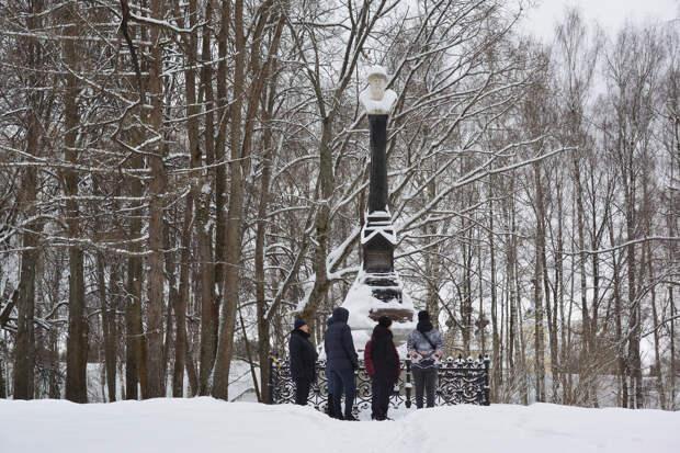 Монумент основателю города Василию Первому на Соборной горе