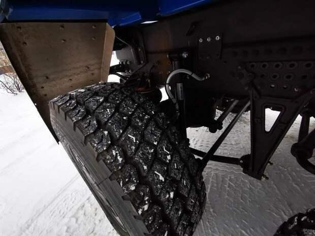 КАМАЗ представил беспилотный самосвал, работающий в режиме «рой» в связке с агротехникой