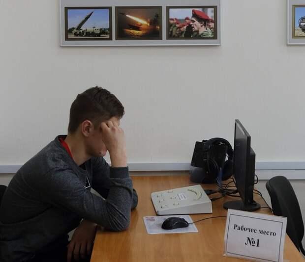 Путин распорядился о продлении выплат увеличенного минимального размера пособия по безработице