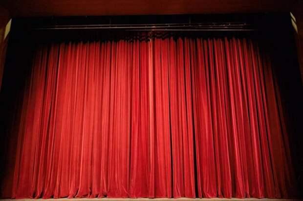 ВАлександринском театре стартовал фестиваль современного танца «Пятилетка»
