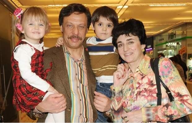 Как Михаил Барщевский  стал отцом приёмных двойняшек