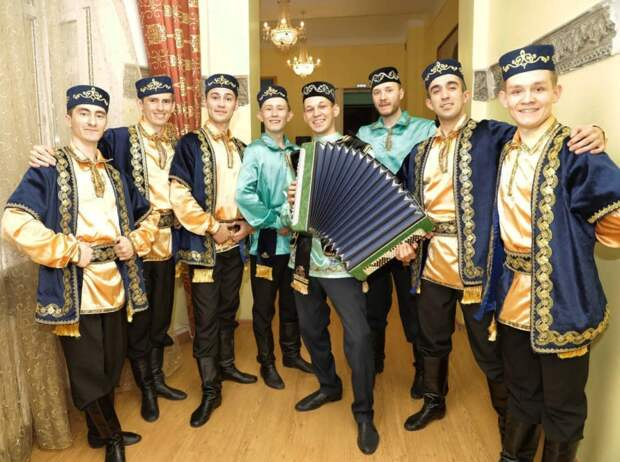 Руководитель ансамбля татарского танца пригласил Слуцкого на совместные репетиции