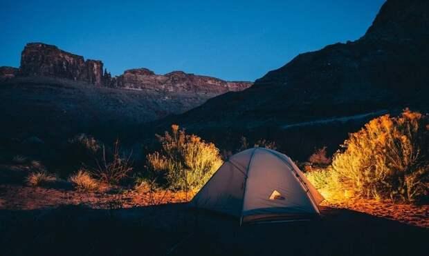 Легкие треккинговые палатки хороши для пеших походов