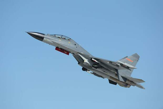 СМИ: на новом китайском авианосце смогут базироваться до 36 истребителей