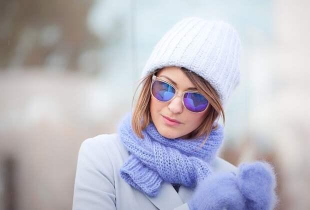 11 способов современно сочетать шапку и шарф