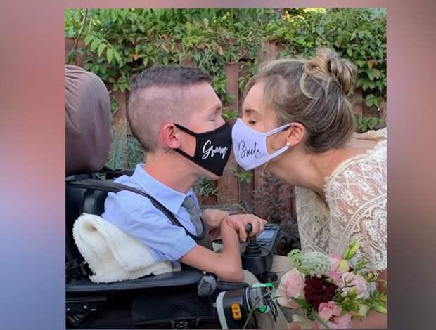 Эта необычная пара удивила весь мир. Красотка вышла замуж за парня на коляске