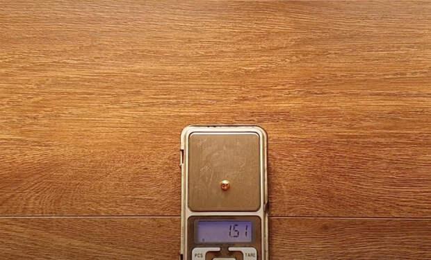 Золотодобытчик проверил турецкое золото и выяснил, сколько в нем настоящего желтого металла: видео