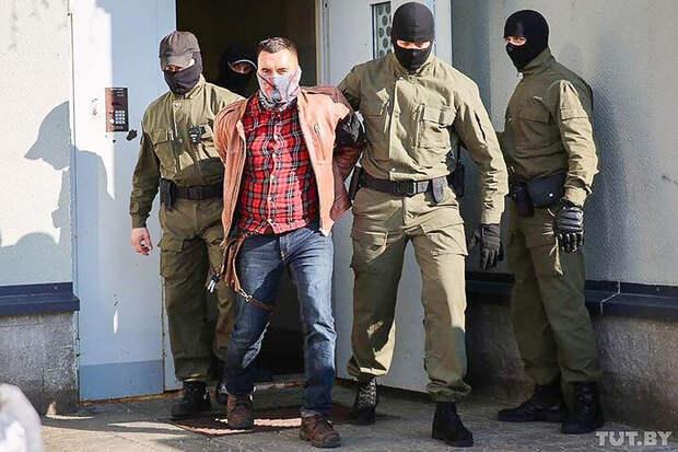 Белорусский политзаключённый во время суда пытался покалечить себя