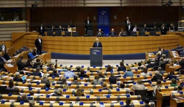 Выступление европейских парламентариев показывает чудовищную деградацию западных политиков