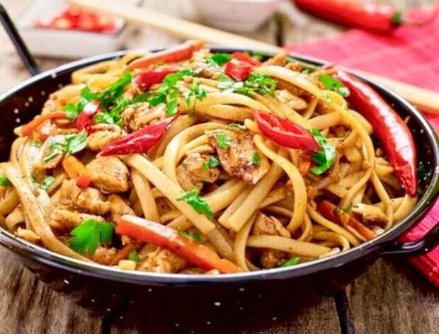 Лучший способ накормить большую семью - ленивый лагман по-уйгурски!