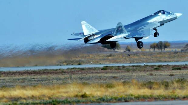 СМИ: Су-57 доработают для управления группой беспилотников