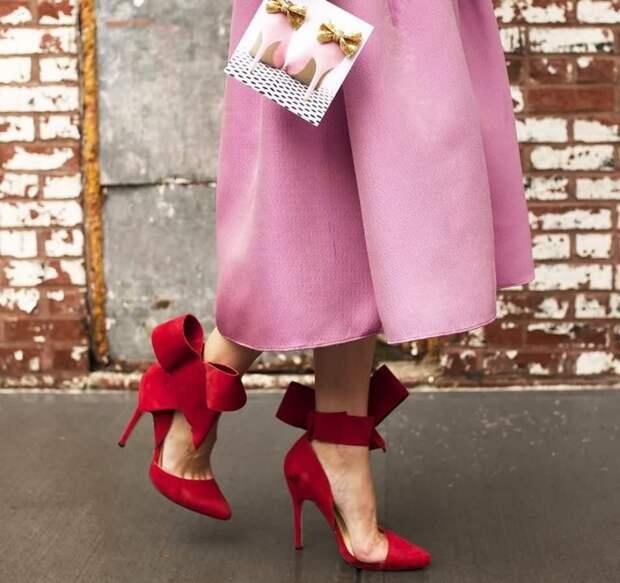 Туфли с бантом на щиколотке