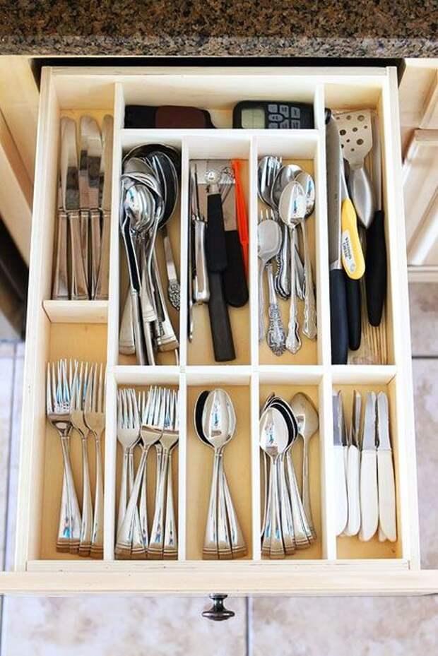 Ложки, ножи и вилки должны храниться в отдельных ячейках