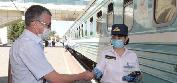 Посадку и высадку пассажиров трех поездов разрешили из-за улучшения эпидситуации в  СКО