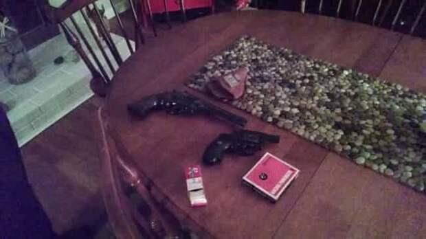 Пистолеты находки, неожиданности, чердак