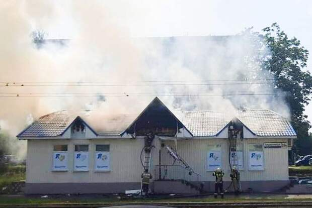 Пожар произошел в продуктовом магазине на улице Орджоникидзе в Ижевске