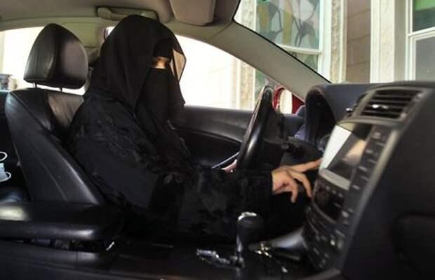 Победа равноправия: в Саудовской Аравии женщин пустили за руль