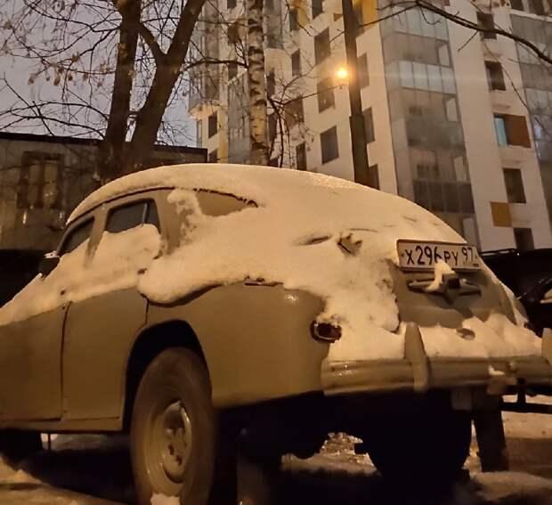 Фото дня: ретро-автомобиль «Победа»