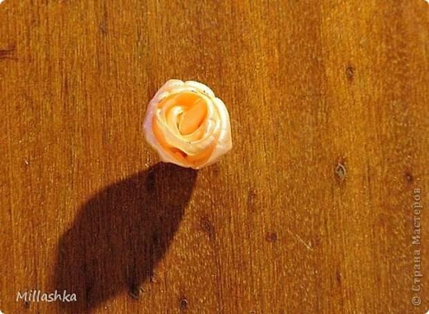"""Сегодня хочу показать вам, дорогие жители СМ, МК """"Пышная роза"""" или, как называю ее я, """"Роза для ленивых"""". Спросите: """"Почему для ленивых?"""". Отвечу: """"Да потому-что проще некуда!Быстро и ооочень красиво!"""" фото 13"""