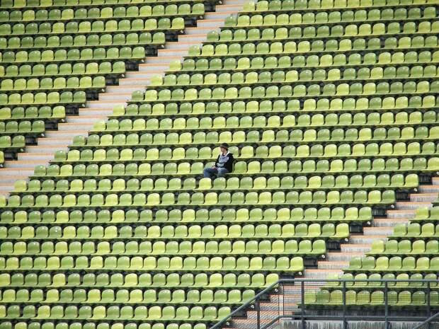 В Керчи ремонтируют стадион имени 50-летия Октября