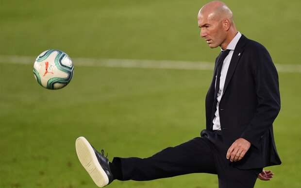 Зинедин Зидан покинул должность главного тренера «Реала»