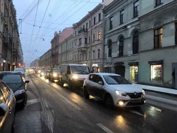 В Совфеде раскритиковали идею введения штрафов за зимние шины летом
